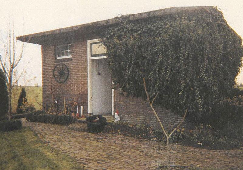 De politiecel aan het Overeind in Schalkwijk in 2001